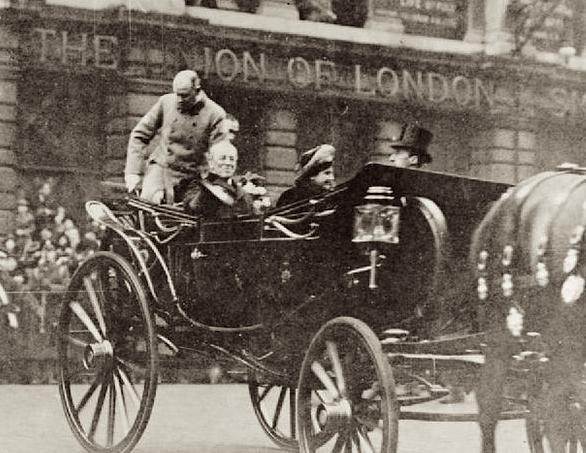 President and Mrs. Wilson visit London, December 28, 1918.